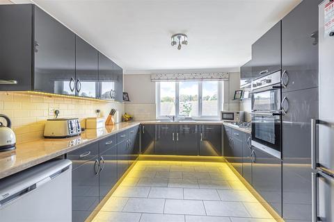 3 bedroom semi-detached house for sale - Denton Drive, Newhaven