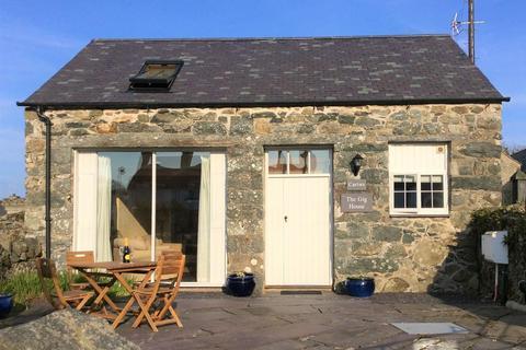 2 bedroom detached house for sale - Abererch, Pwllheli