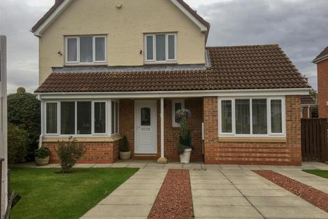 3 bedroom detached house for sale - Moray Close, Darlington