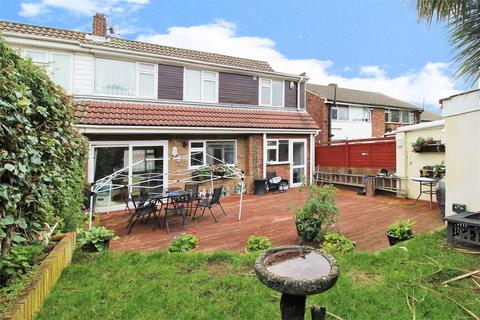4 bedroom semi-detached house for sale - Wessex Drive, Erith