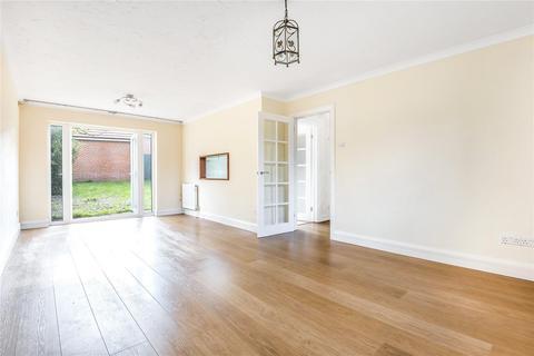 4 bedroom detached house to rent - Bayhurst Drive, Northwood, HA6 3SA