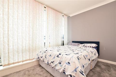 3 bedroom flat for sale - High Street, Purley, Surrey