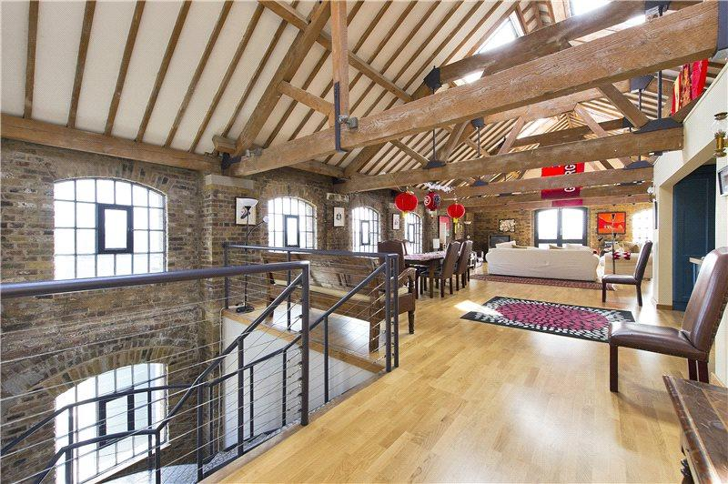2 Bedrooms Penthouse Flat for sale in Execution Dock House, 80 Wapping High Street, London, E1W