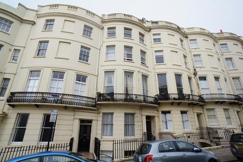 Studio to rent - Brunswick Place, Hove BN3