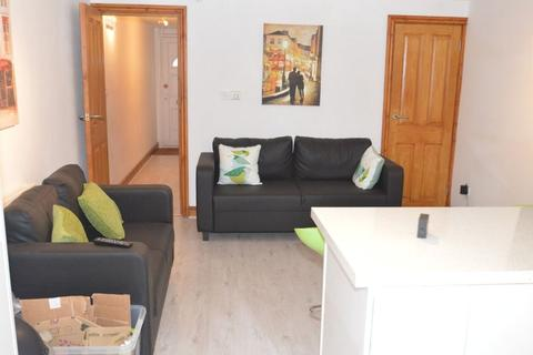 6 bedroom terraced house to rent - Exeter Road, Selly Oak