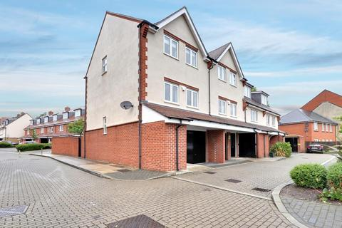 3 bedroom townhouse to rent - Hamble Drive, Hayes UB3