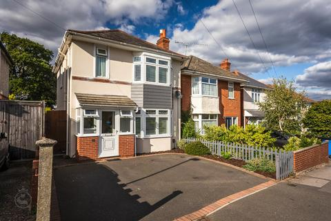 3 bedroom detached house for sale - Wroxham Road, Branksome, Poole, BH12