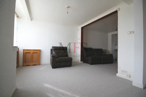 3 bedroom house to rent - Princes Park Lane, Hayes, UB3