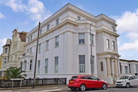 2 bedroom ground floor flat for sale - Richmond Street, Herne Bay, Kent