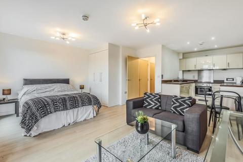 Studio to rent - Woking,  Surrey,  GU22