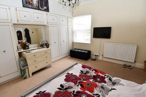 4 bedroom semi-detached house for sale - Bristol Road South, Northfield, Birmingham, B31