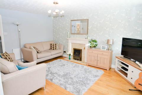 4 bedroom semi-detached house for sale - Heathlands Grove, Northfield, Birmingham, B31
