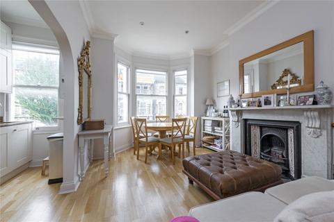 2 bedroom flat for sale - Sangora Road, London, SW11