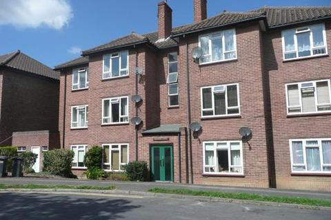 2 bedroom flat to rent - COURTLANDS MAIDENHEAD SL6