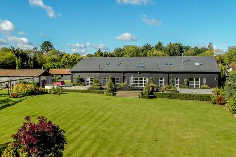 5 bedroom barn conversion for sale - Toot Hill Road, Greensted, Ongar, Essex, CM5