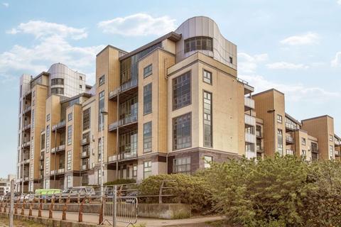 2 bedroom flat to rent - Western Harbour Breakwater, Newhaven, Edinburgh, EH6