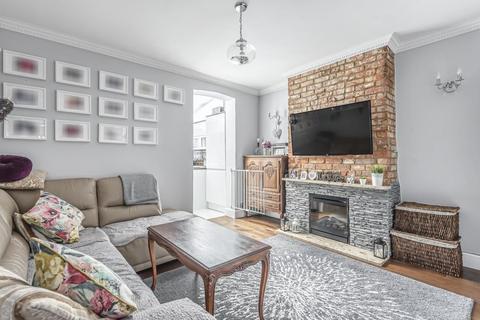 2 bedroom house for sale - Southside, Aylesbury, Buckinghamshire, HP20