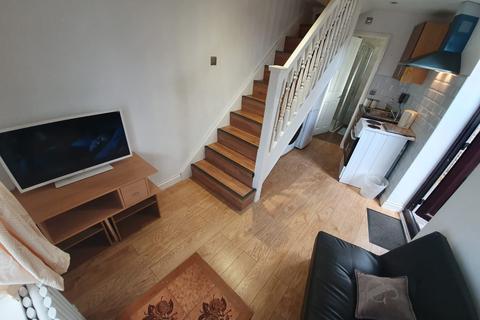 2 bedroom flat to rent - Wilthorne Gardens, Dagenham, Essex, RM10
