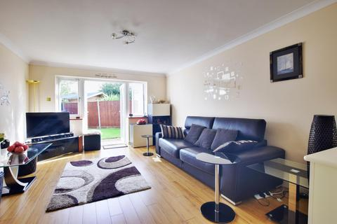 2 bedroom end of terrace house to rent - Silver Way, Hillingdon, Middlesex, UB10 0TD