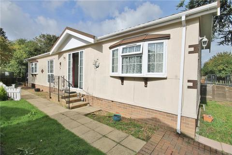 2 bedroom bungalow for sale - The Lane Penton Park, Chertsey, Surrey, KT16