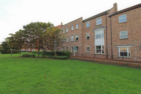 2 bedroom ground floor flat for sale - The Dialstone, Thirsk, YO7 1GH