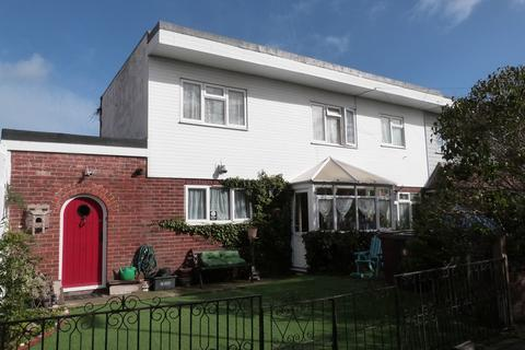 3 bedroom semi-detached house for sale - The Bridleway, Selsey