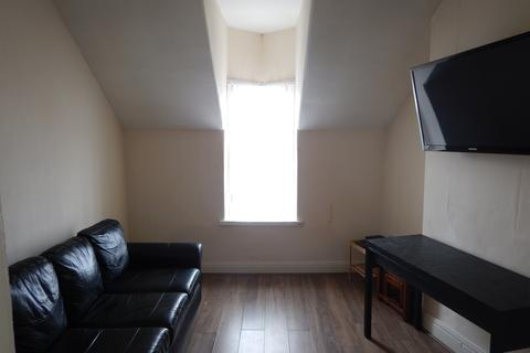 Studio to rent - Brookland Road, Sunderland SR4