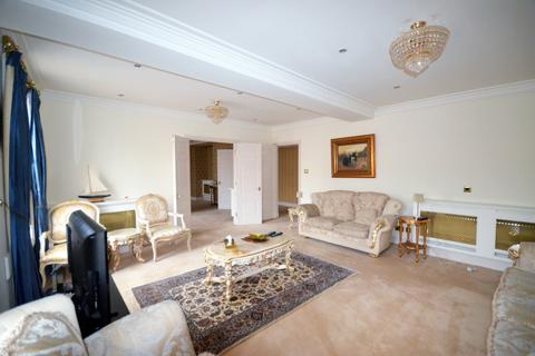 3 bedroom flat to rent - New Hereford House, Mayfair