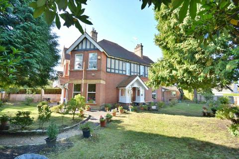 5 bedroom detached house for sale - Forest Road, Branksome Park, Poole, BH13 6DH