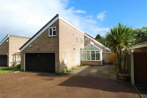 3 bedroom detached bungalow to rent - Wadleys Road, Solihull, Solihull