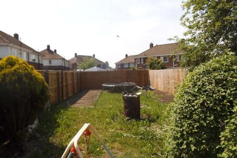 3 bedroom terraced house to rent - Droitwich Avenue, Stockton-on-Tees, TS19