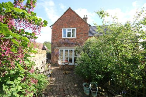 3 bedroom cottage to rent - Cobblers Cottage, Stonesby. Open Viewing Sat 12th Oct