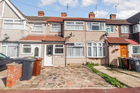 3 bedroom terraced house to rent - Second Avenue, Dagenham