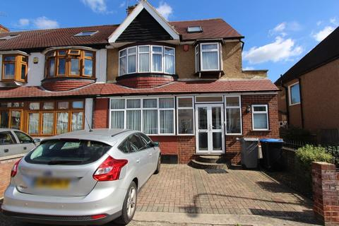 5 bedroom end of terrace house for sale - Claremont Avenue, Harrow, HA3