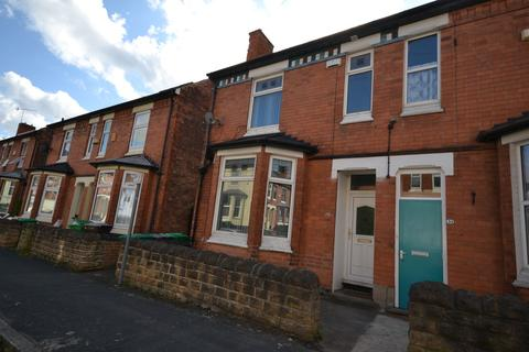 6 bedroom semi-detached house to rent - Teversal Avenue, Nottingham