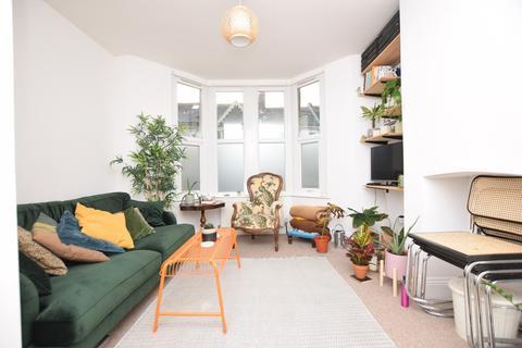 2 bedroom ground floor flat to rent - Harrow Road, Bristol