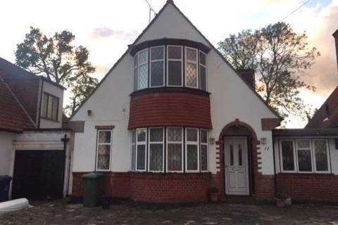 3 bedroom semi-detached house to rent - Wynlie Gardens, Pinner