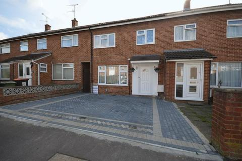 3 bedroom terraced house for sale - Leaf Road, Houghton Regis