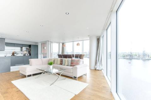 2 bedroom apartment to rent - Coral Apartments, 17 Western Gateway, London, E16