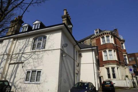 3 bedroom apartment - Glen Fern Road, Town Centre, Bournemouth