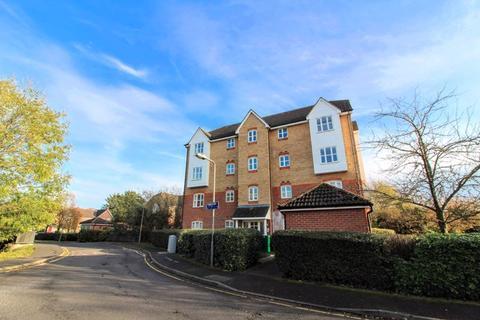 2 bedroom apartment to rent - Friarscroft Way, Aylesbury