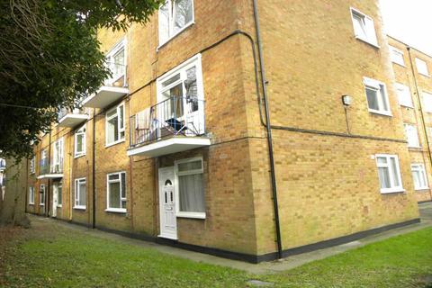 Studio to rent - Viceroy Court, Dunstable