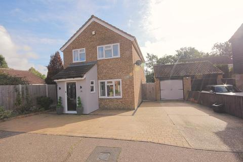 4 bedroom detached house for sale - Skiddaw Close, Great Notley, Braintree, CM77