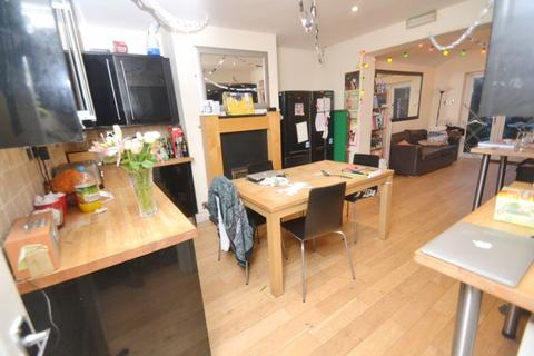 8 bedroom house to rent - Cotton Lane, Manchester