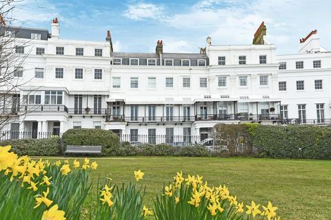 1 bedroom flat to rent - Lewes Crescent, Brighton, BN2 1GB