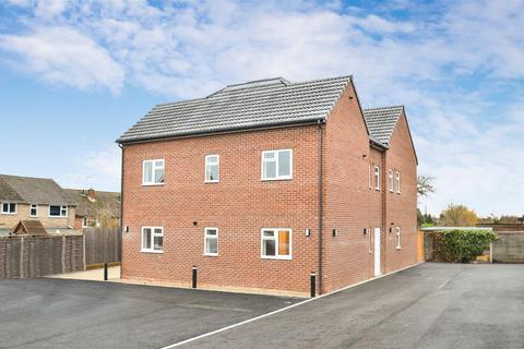 2 bedroom apartment to rent - Bucknell Court, Bicester