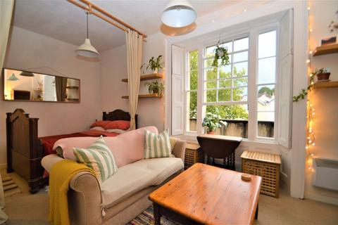 Studio to rent - Elton Mansions, Bishopston