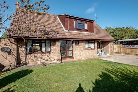 3 bedroom detached house for sale - Headlands Road, Aldbrough