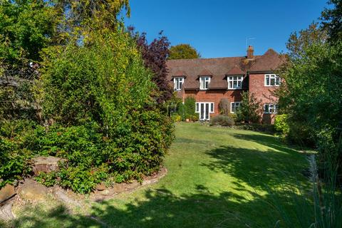 5 bedroom detached house for sale - Castle Hill Avenue, Berkhamsted
