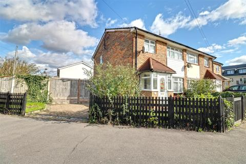 3 bedroom end of terrace house for sale - Nevell Road, Grays